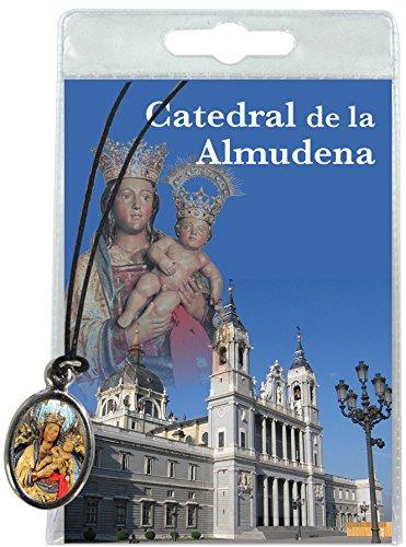 Ferrari & Arrighetti Medalla Santa María de la Almudena con cordón y oración en español
