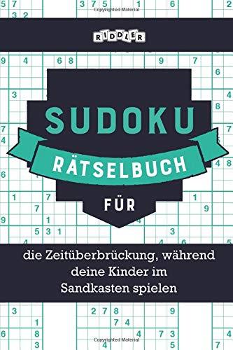 Sudoku Rätselbuch für die Zeitüberbrückung, während deine Kinder im Sandkasten spielen