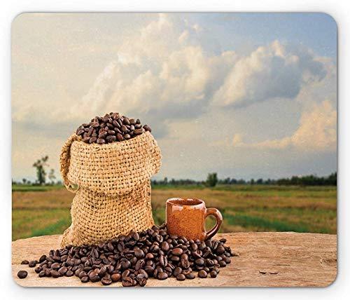 Alfombrilla de café, bolsa de arpillera llena de semillas en una mesa de madera con una escena de naturaleza borrosa en la parte posterior, alfombrilla de goma rectangular antideslizante, tamaño están