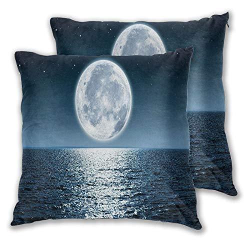 LONSANT Juego de 2 Fundas de Cojín,Luna Llena de mar Azul elevándose sobre el océano vacío en la Noche con Copia Espacio Paisaje,Decorativa Cuadrado Suave Funda de Almohada Sofá Sillas Cama