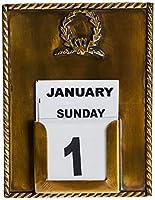 Dimensions : 11 x 3 x 14 cm. Matière: Métal Pays d'origine: Inde. Calendrier avec détails en forme de couronne dorée.