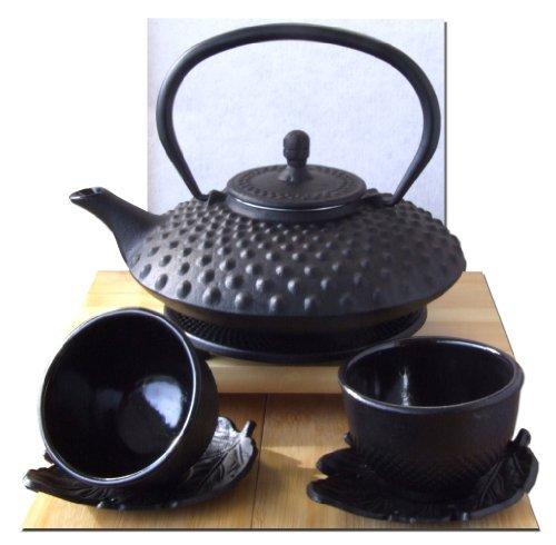 Tetsubin-Teekessel mit Untersetzer, inkl. Tassen und Untertassen, japanischer Stil, Gusseisen, 0,8l, Hobnail-Muster, Schwarz