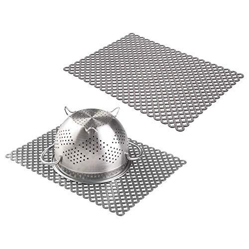 mDesign Juego de 2 Protector fregadero – Práctica rejilla de plástico para evitar arañazos en fregaderos de acero – Grande alfombrilla escurridora para pila o encimera – gris