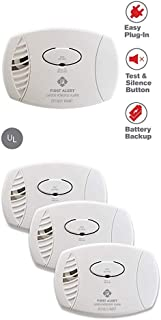 First Alert CO605 Plug-in Battery Backup CO Alarm, 1 Pack, White and First Alert Plug-in Carbon Monoxide Detector with Battery Backup, 3-Pack, CO605