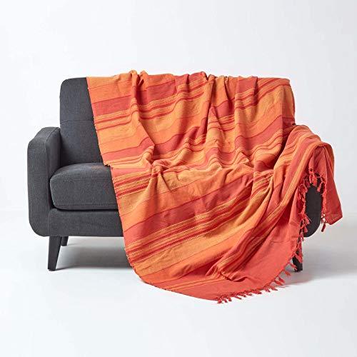 Homescapes große Tagesdecke Morocco, orange, Sofa-Überwurf aus 100% Baumwolle, weiche Wohndecke 225 x 255 cm, orange-Terracotta gestreift, mit Fransen