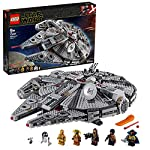 Include 7 personaggi LEGO Star Wars(tm): le minifigure di Finn, Chewbacca, C-3PO, Lando Calrissian e Boolio, più i droidi LEGO R2-D2 e D-O I dettagli esterni del modello del Millennium Falcon LEGO Star Wars(tm) includono una torretta superiore e infe...