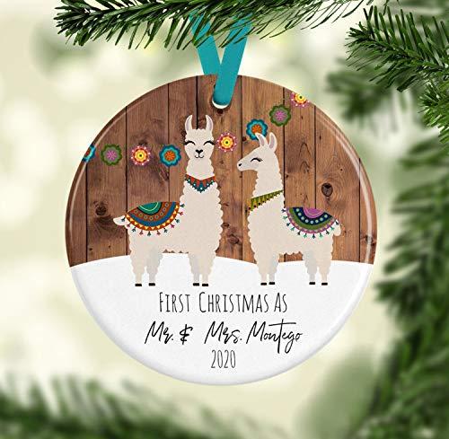 Lplpol Ornamento de recin casados, llama, primer adorno de Navidad, llama, adorno de Navidad, regalo de boda, regalo de recin casados, regalos de llama.
