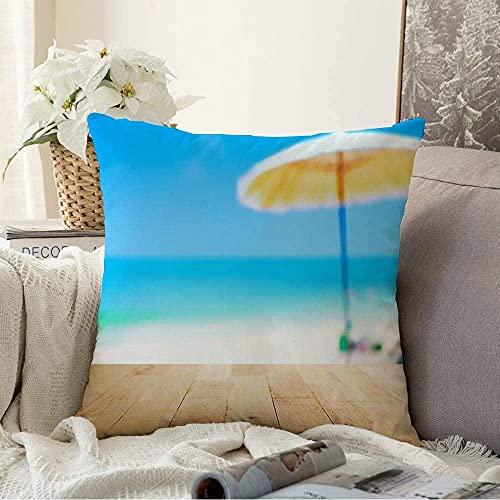 BONRI Almohada Decorativa idílica Blanco océano Madera Tablero de Mesa relajación en Madera borrosa Azul Naturaleza diseño Relax Exterior Cuadrado Acogedor cojín Funda de Almohada para sofá, 18'x 18'