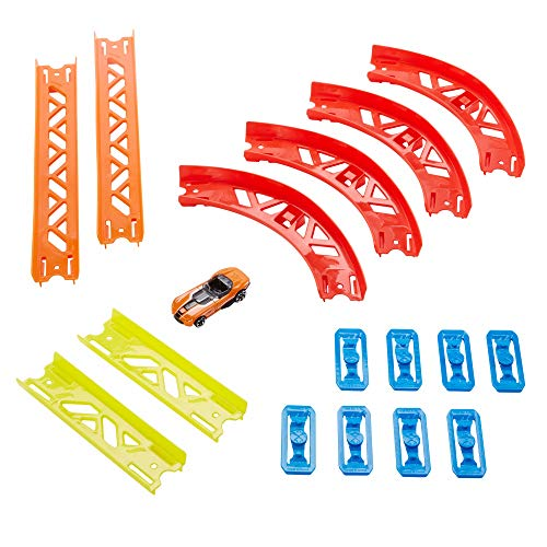 Hot Wheels GLC88 Track Builder Vielseitiges Kurven-Set Zubehörteile, Premium Kurven-Set für dynamische Rennstrecken, inkl. Fahrzeug, Spielzeug ab 6 Jahren