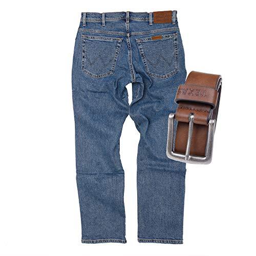 Regular Fit Wrangler Stretch Herren Jeans inkl. Texas Gürtel (Stonewash + Brauner Gürtel, W42/L32)