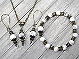 Conjunto de joyas con pulsera, pendientes y collar en estilo vintage para mujer en howlita blanca