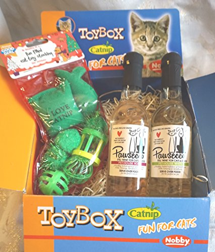 LUXURY CAT CHRISTMAS GIFT BOX WITH TOY STOCKING & PAWSECCO CAT WHITE & ROSE WINE
