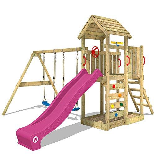 WICKEY Spielturm MultiFlyer - Klettergerüst mit massivem Holzdach, Schaukel, Kletterwand und -leiter, violetter Wellenrutsche und viel Spiel-Zubehör