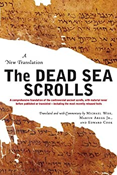 Paperback The Dead Sea Scrolls - Revised Edition : A New Translation Book
