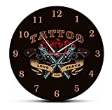 wanduhr ohne tickgeräusche modern Pistole und Rose Liebe und Tod Tattoo Studio Zeichen dekorative Wanduhr Old School Man Cave Wanddekor Silent Quartz Wall Watch-No_Frame