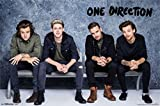 Trends One Direction Poster Group Shot, sitzen auf Bank
