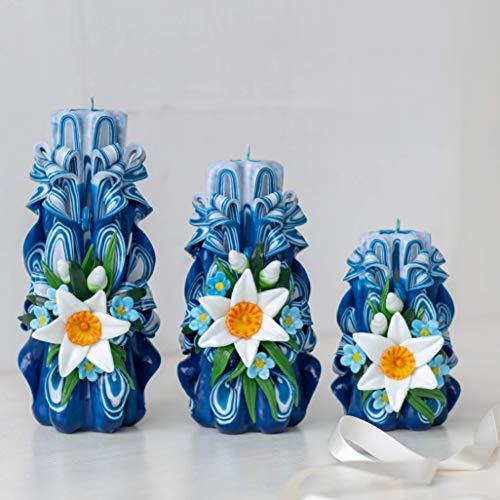 Wunderschöne blaue geschnitzte Kerzen mit weißen Narzissen - 3 verschiedene Paraffinwachse unterschiedlicher Größe - unberührte rote Kerzen als Geschenkidee
