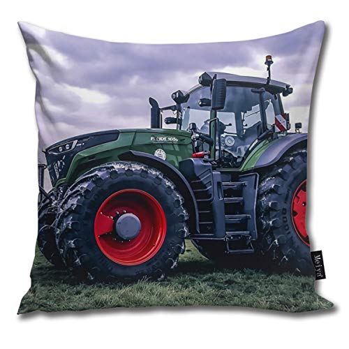BLUETOP Fendt 1050 Pillow Cover, 18 x 18 Inch Winter Holiday Farmhouse Cotton Cushion Case Decoration for Sofa Couch