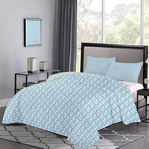 Tagesdecke Bettdecke Set Diagonale Fußabdruck Muster Neugeborene Kinder Themenillustration Glückliche Momente Hypoallergener Bettbezug verleiht dem Raum ein fröhliches, einladendes Gefühl Hellblau Wei
