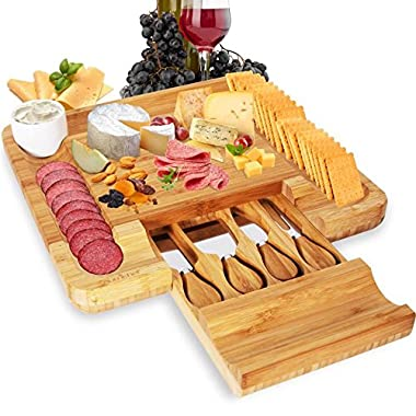 NutriChef PKCZBD10AMZ Bamboo Cheese Cutting Board-Bonus Condiment Cup Flat Wood Rectangle Serving Platter Plate Kit for Fruit and Meat w/Closing Drawer Tray, 4 Stainless Steel Knives