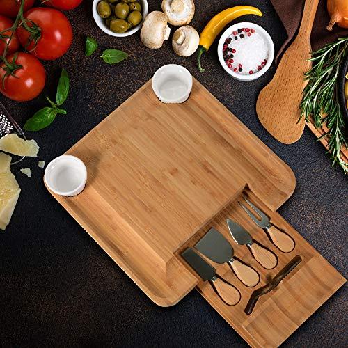 L-M-Yang Juego de Tabla de quesos y Cuchillos - Bandeja de Servir de Madera de bambú de Primera Calidad para charcutería con Cubiertos, Juego de Tablas de Cuchillos de Queso con Mango
