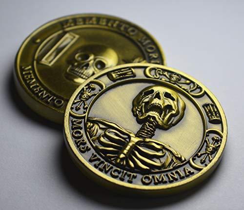The Commemorative Coin Company Gedenkmünze Mori / Vivere, Antik-Gold, in Kapsel Mors Vincit Omnia Tulpe / Sanduhr / Totenkopf / Tod Stoic / Reflection / Stoicism