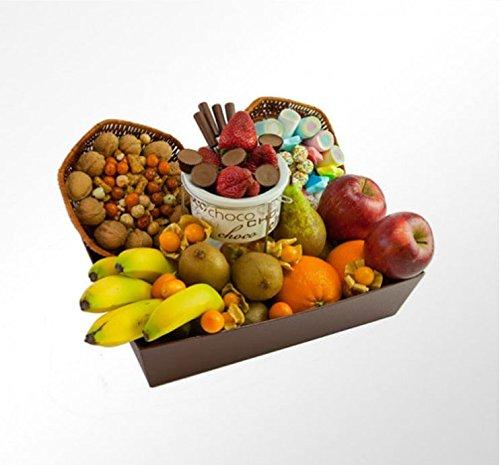 Cesta de Frutas Padrazo, con frutas tropicales, mediterráneas, chocolates, golosinas y frutos secos.
