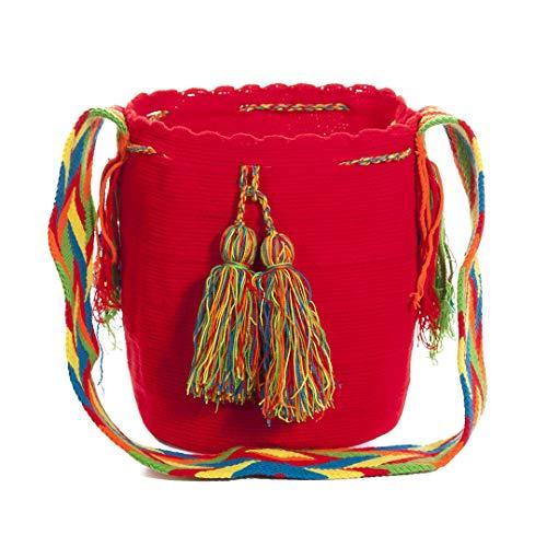 Wayuu Auténticos bolsos, hechos a mano con ayuda de pequeña maquinaria por las tribus aborígenes, e importados directamente desde la Península de la Guajira sobre el Mar Caribe Colombiano