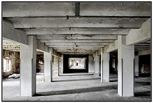 Wallario Wandbild Alte Industriehalle im Kellergeschoss - einsame Lagerhalle Einer Brauerei in Premiumqualität mit schwarzem Rahmen, Größe: 61 x 91,5 cm