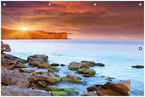Wallario Garten-Poster Outdoor-Poster, Sonnenaufgang am Meer mit Landzunge und Felsen im Wasser in Premiumqualität, für den Außeneinsatz geeignet