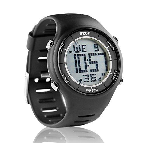 EZON ランニングウォッチ スポーツウォッチ 腕時計 軽量 IP67防水防塵 省エネ バックライト 1.02インチ大盤面デジタル表示 メンズL008 (ブラック)