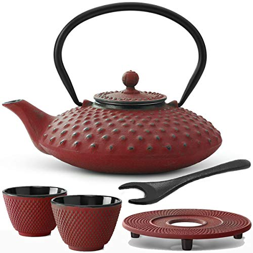 Bredemeijer rote gusseiserne Asia Teekanne 0.8 L Set mit Tee-Filter-Sieb Untersetzer Teebecher (2 Tassen) & Deckelheber