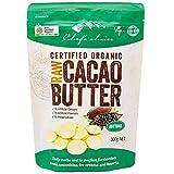 オーストラリアのオーガニックブランドRAWカカオバターです。オーガニックの本場オーストラリアで絶大な人気があります。 栄養素を壊さない低温圧搾により、カカオ本来の栄養素がつまっています。スーパーフードならではの高栄養価です。 カカオポリフェノールや栄養素を壊さないローフード製法です。チョコレートの様な甘く強いカカオの香りをぜひご堪能下さい。 夏場クール便で発送します。(amazon出荷除く)保存は暑くなりすぎない常温か野菜室などが最適です。
