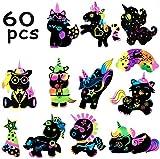 BeYumi 60 Stück Einhorn Kratzbilder für Kinder,Kratzpapier Kinder 60 Blätter Regenbogen Kratzpapier zum Zeichnen und Basteln mit Schablonen, Holzstiften DIY Handwerk Kit Party Spiele