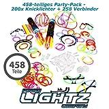 200 Knicklichter, 200 Verbinder, 5 Leuchtbrillen, 5 Haarreifen, 5 Kreisverbinder, 5 Flexverbinder, 4 Ohrringe