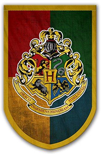 Harry Potter Style Banner – Hogwarts-Flagge 94 x 61 cm – beidseitig bedruckt – langlebig genug für Außenbedingungen – perfektes Bargeschirr Männerhöhle Geschenk – Einzigartiges HP Sammlerzubehör