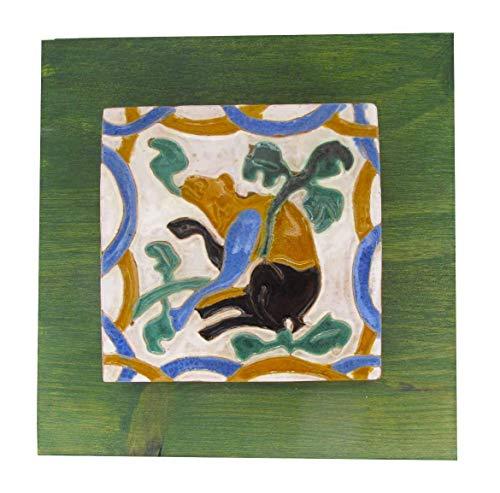 Azulejo o ladrillo vidriado Andaluz enmarcado en relieve