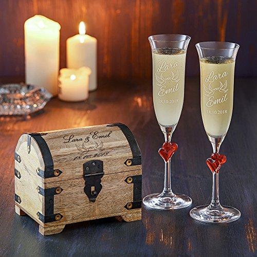 Casa Vivente Geschenkset zur Hochzeit – Sektgläser und große Schatztruhe mit Gravur – Motiv Tauben – Personalisiert mit Namen und Datum – Hochzeitsgeschenke für Brautpaar - 3