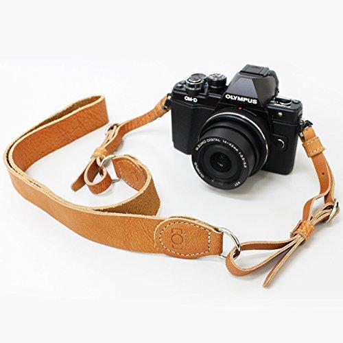 斜め掛けもできる ウォッシュドレザーのカメラストラップ (キャメル)