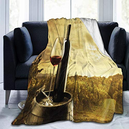 Manta mullida, botella de vino tinto y cristal en barril de madera dramática cielo, manta ultrasuave para bebé, manta para dormitorio, cama, TV, manta de cama de 50 x 40 pulgadas