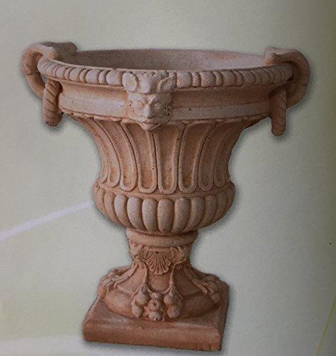 Jardinière en béton, vase, 70 x 70 cm.