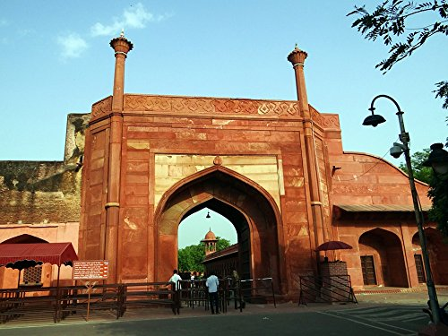 Home Comforts LAMINATED POSTER India Unesco Site Agra Oostelijke Poort Taj Mahal Poster Print 61 x 91.5