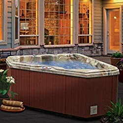 HOME AND GARDEN 3-PERSON HOT TUB