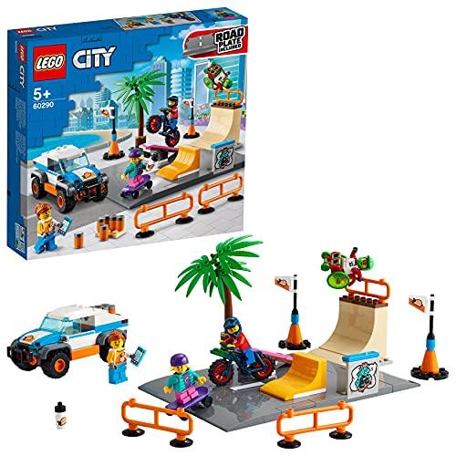 LEGO 60290 City Skate Park Bauset mit Skateboard, BMX Fahrrad, Truck und Rollstuhl-Sportler als Minifigur
