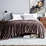 Bedsure Manta para Sofás de Franela 230x270cm - Manta para Cama 180 Reversible de 100% Microfibre Extra Suave - Manta Marrón Chocolate Transpirable
