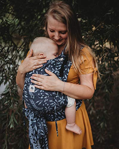 LIMAS Plus Babytrage Halfbuckle | 56-104 cm | Bauchtrage & Rückentrage & Hüfttrage | ab Geburt bis Kleinkindalter | Baby Carrier | Flora Midnight Blue