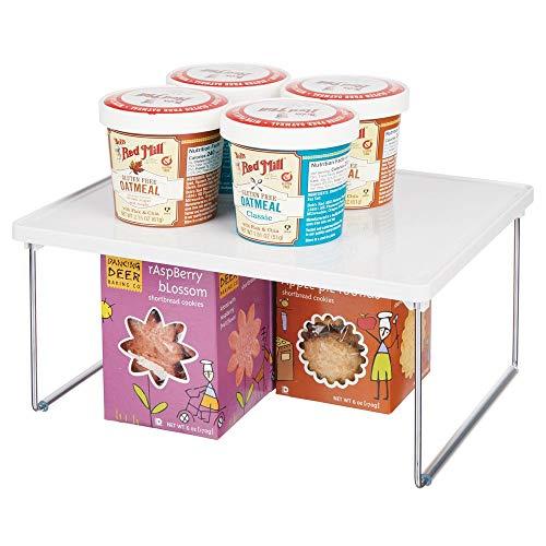 mDesign Platero de cocina - Estante para platos para la encimera y los armarios de la cocina - Accesorio organizador de cocina apilable, con patas plegables de metal - blanco