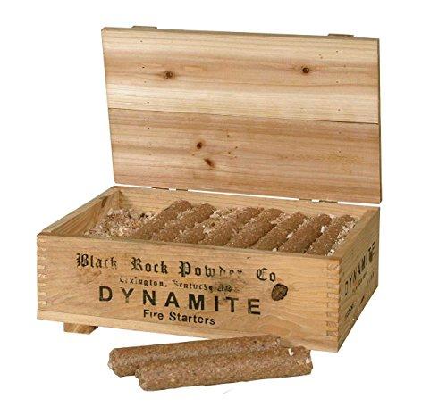 Kamin und Grillanzünder in Dynamitstangenform in dekorativer Holzkiste