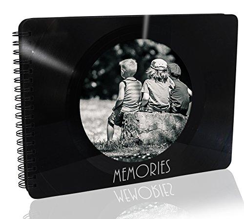 Upcycling Foto-Album aus einer echten (used) Vinyl-Schallplatte, 36 Seiten (18 Blatt) schwarz, Spiralbuch 23,5 x 17 cm mit rundem Bild-Ausschnitt im Cover, Handmade by JamOnMedia