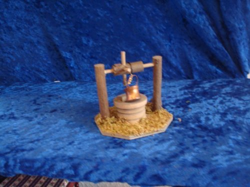 Krippenzubehör, Brunnen, 9 cm hoch
